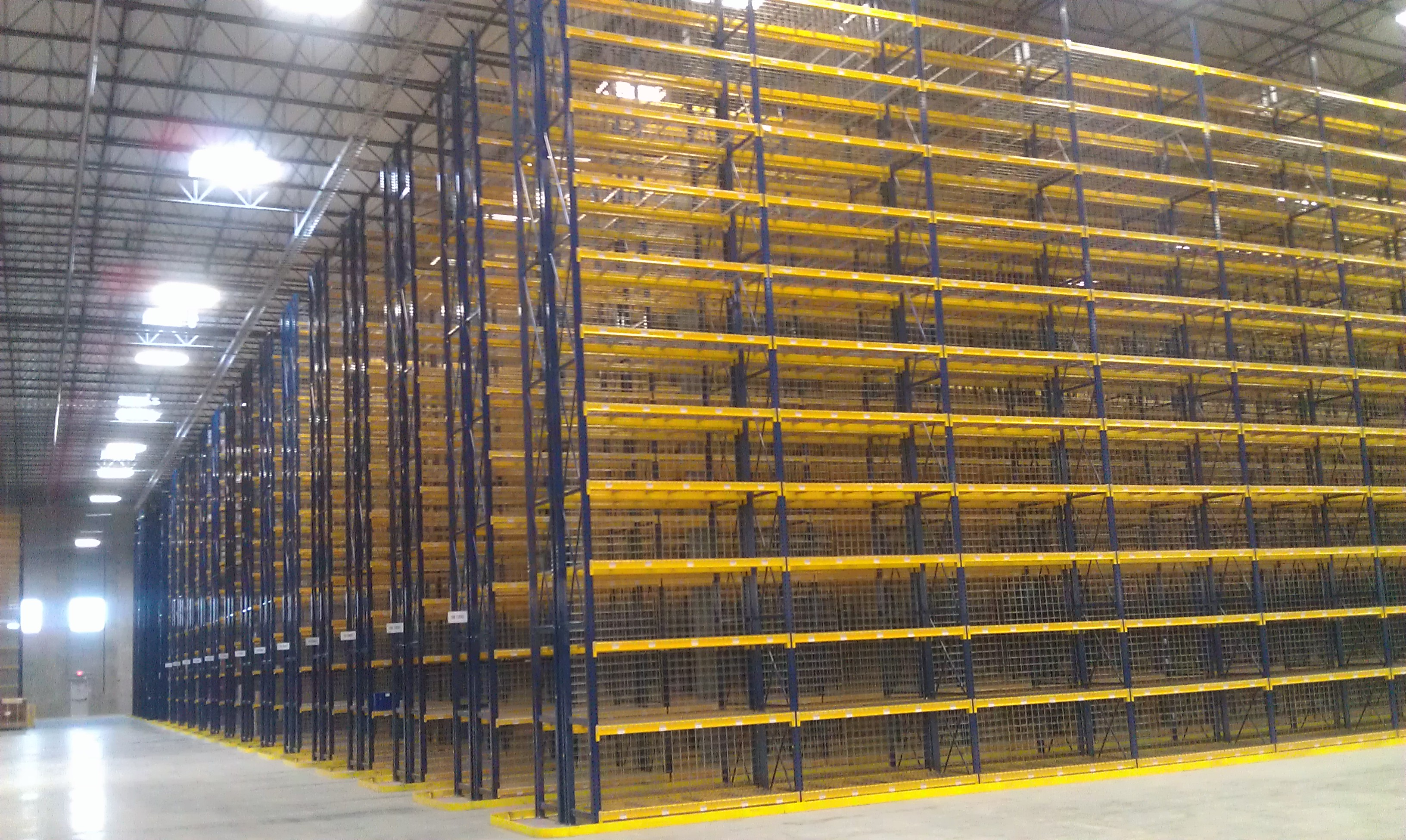 Selective pallet racks warehouse design for Storage bay